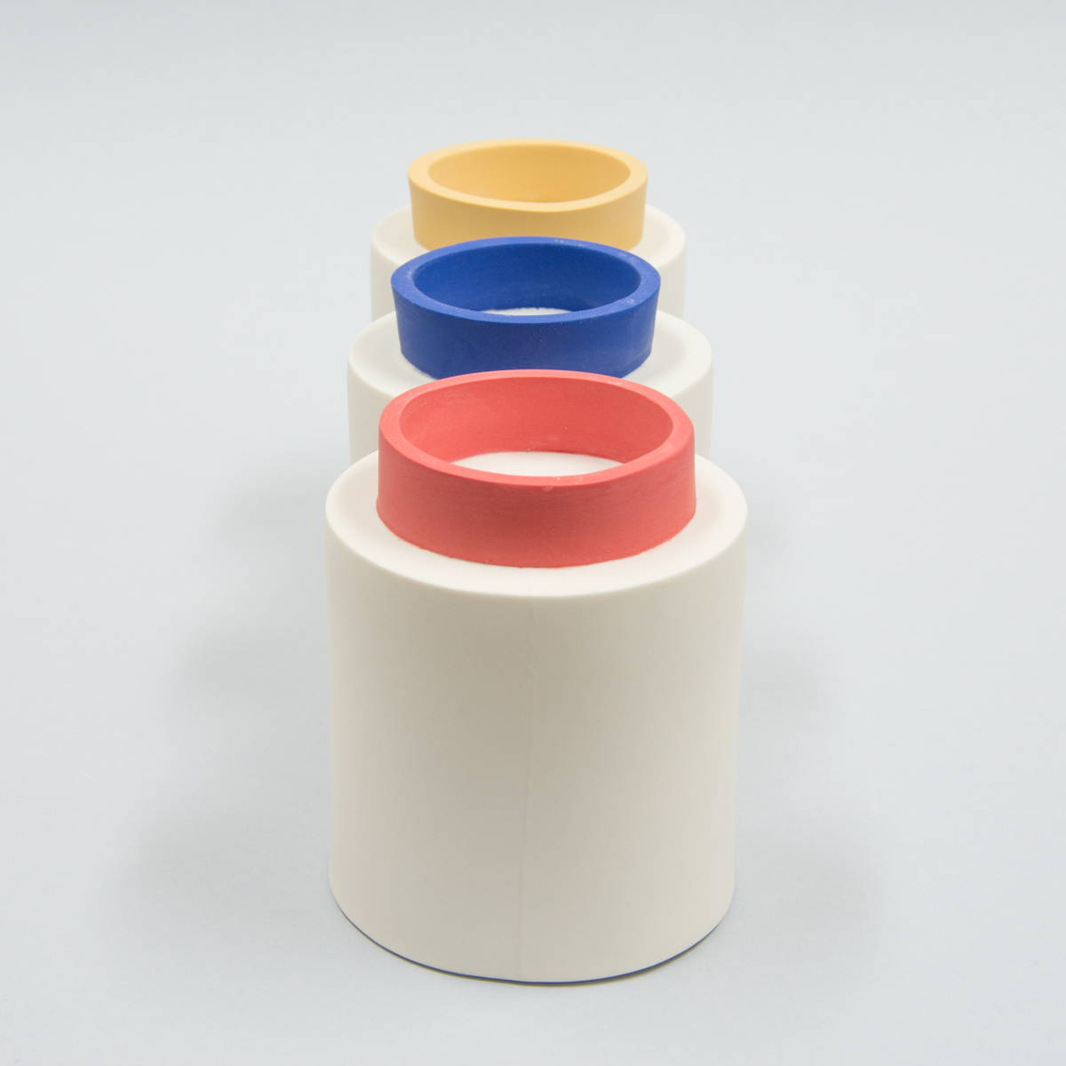 Ensemble de 3 mugs rouge jaune bleu
