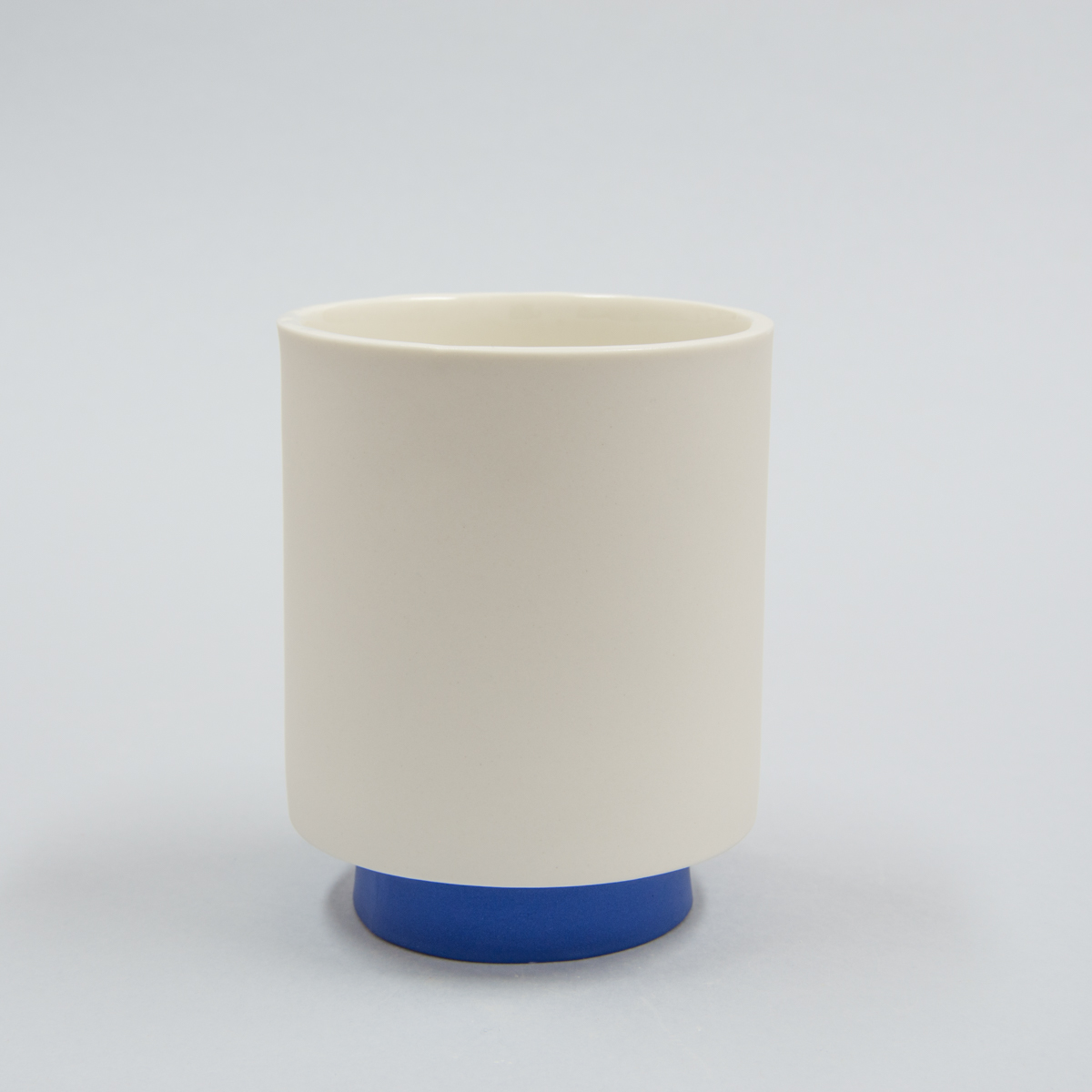 Mug porcelaine pied bleu