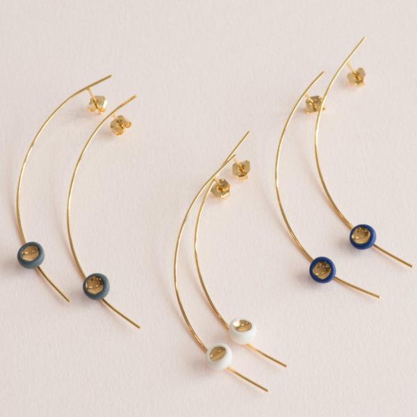 Boucles d'oreillesCald Perles Blanc, bleu ou Gris et Or