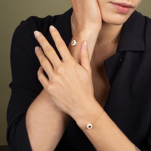 Vesna-Garic-Bracelet-perle-Blanc-or-Dot