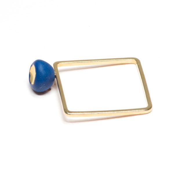 Vesna-Garic-bague-carree-doree-perle-bleu-or-Carly