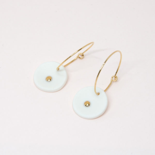 Vesna-Garic-boucles-oreilles-medaille-blanc-or-Lune