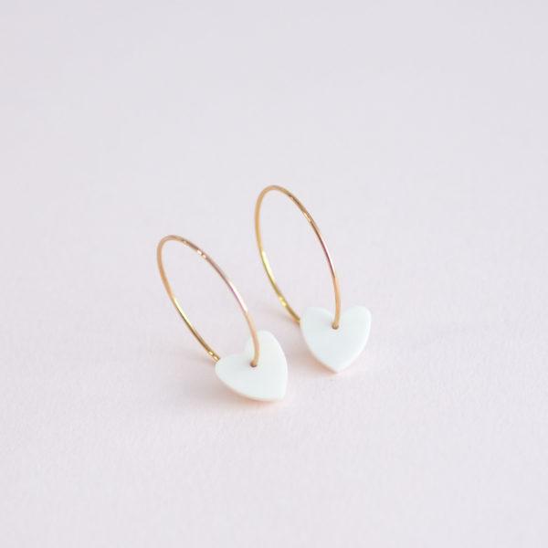 Vesna-Garic-boucles-oreilles-Love-Coeur-blanc