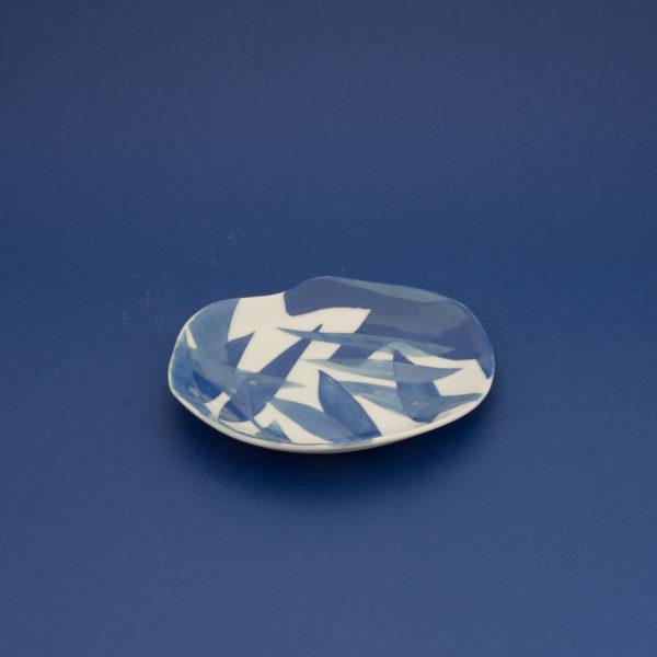 Vesna-Garic-Collection-M-Coupelles-Porcelaine-Bleu-Blanc-Plantes