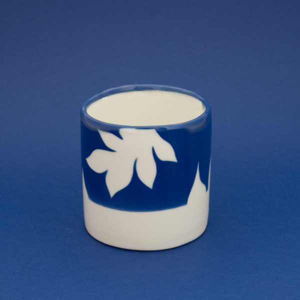 Vesna-Garic-Collection-M-Mugs-Porcelaine-Bleu-Blanc-Plantes