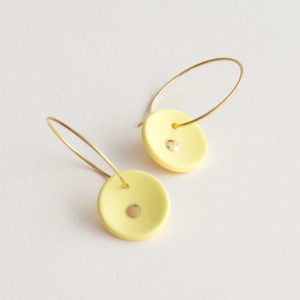 Vesna-Garic-Boucles-Oreilles-medaille-jaune-or-Lune