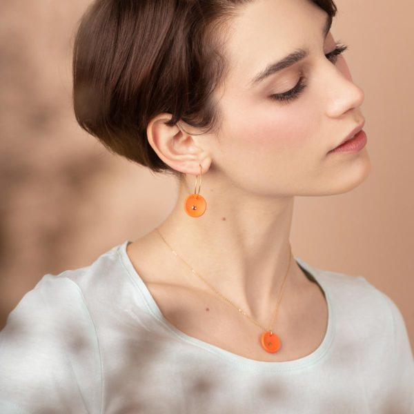 Vesna-Garic-Boucles-Oreilles-pendentif-medaille-orange-or-Lune