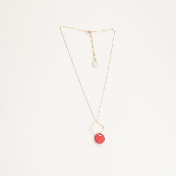 Vesna-Garic-collier-pendentif-losange-dore-disque-porcelaine-rouge-CLIPSYR