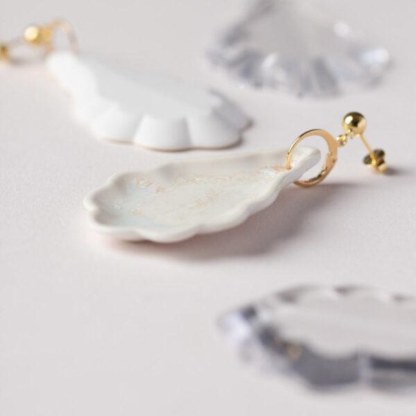 Vesna-Garic-Boucles-Oreilles-Pampilles-porcelaine-blanc-Pampillage