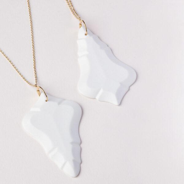 Vesna-Garic-Pendentif-Sautoir-porcelaine-blanc-Pampille